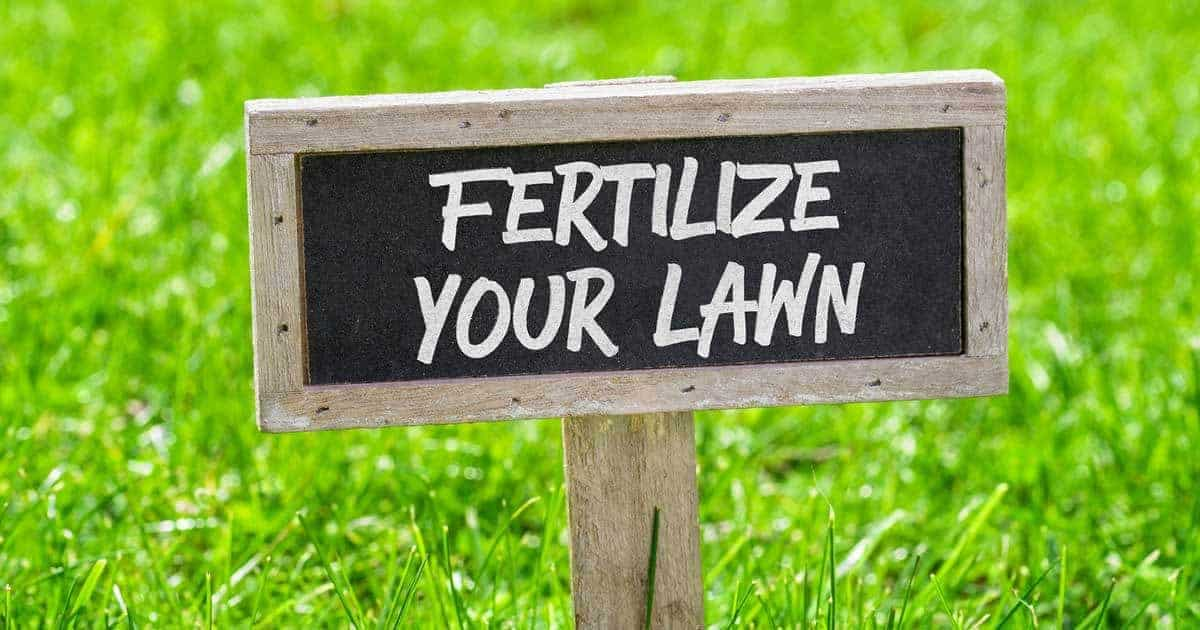 Sign reminding you to fertilize your lawn