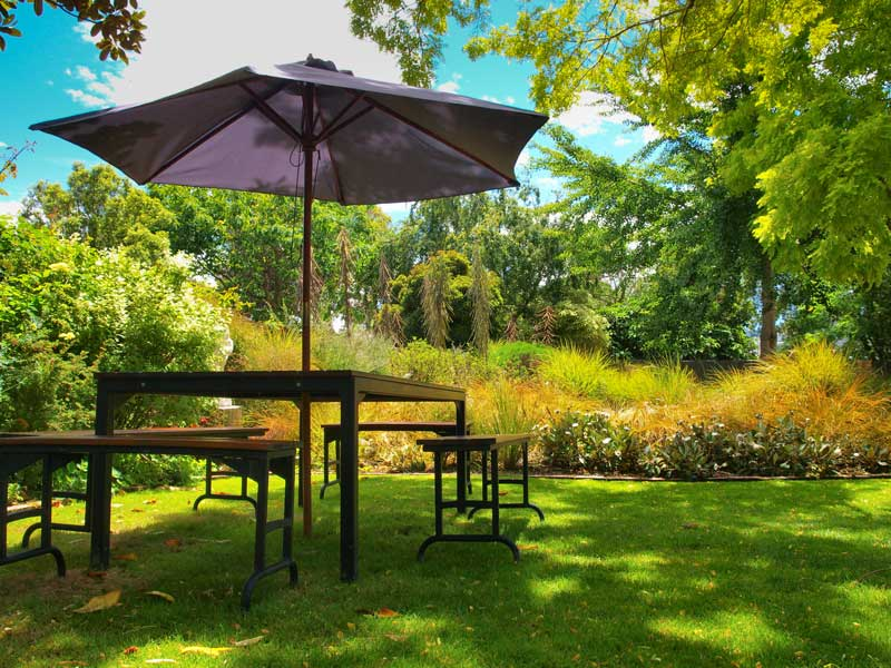 garden-furniture-outdoors-08312015