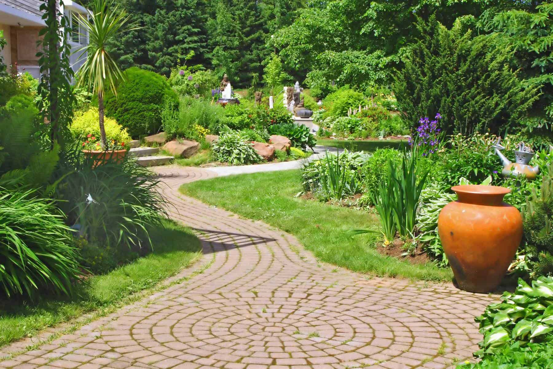 17 garden path ideas great ways to create a garden walkway for Landscaping your garden