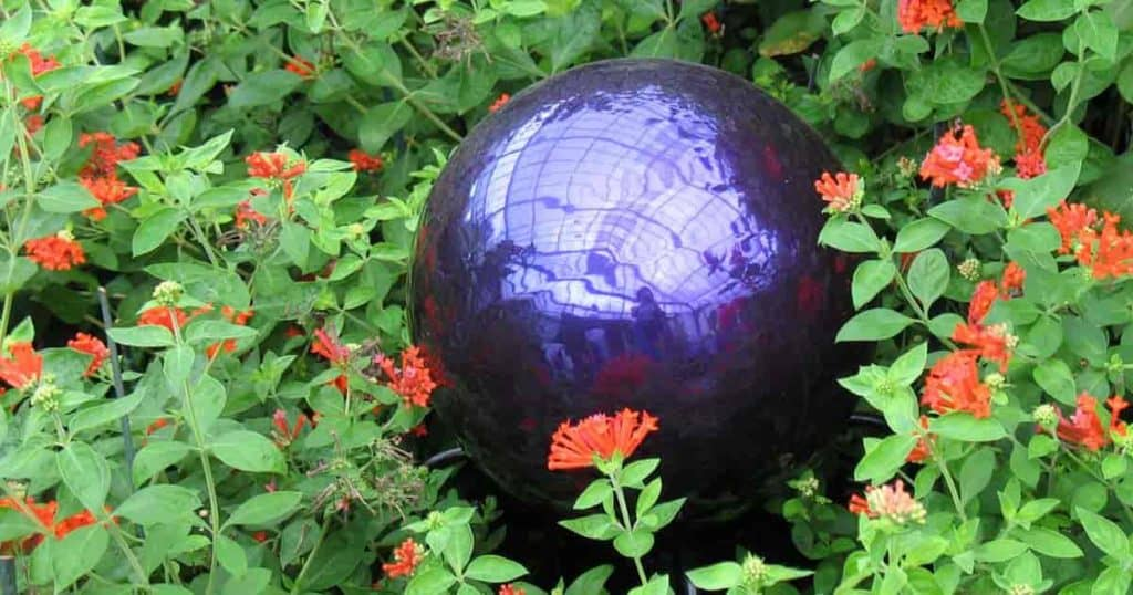 Merveilleux Buried Gazing Balls In The Butterfly Exhibit At Brookside Gardens U2013  Jennifer Boyer Via Flickr