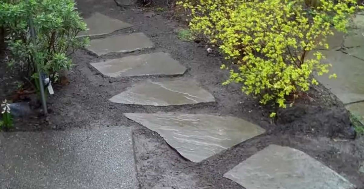 Installing Flagstone Walkways And Path