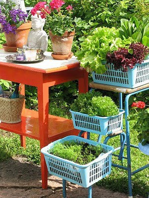 how to build a portable salad table. Black Bedroom Furniture Sets. Home Design Ideas